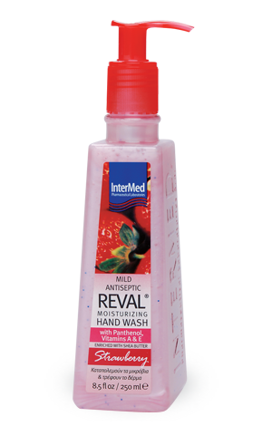 Reval moist strawberry
